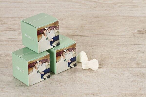 boite-a-dragees-cube-vert-menthe-et-photo-TA0175-1500016-09-1