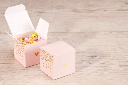 contenant-a-dragees-mariage-cube-rose-laurier-et-coeur-dores-TA119-701-09-1