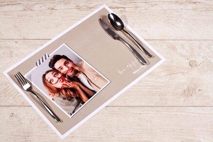 set-de-table-anniversaire-uni-et-polaroid-TA13906-1800005-09-1
